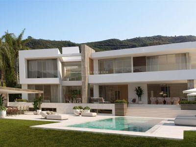Damos la bienvenida a esta Increíble villa moderna de nueva construcción ubicada en La Zagaleta, la comunidad cerrada más exclusiva de Europa con seguridad las 24 horas.