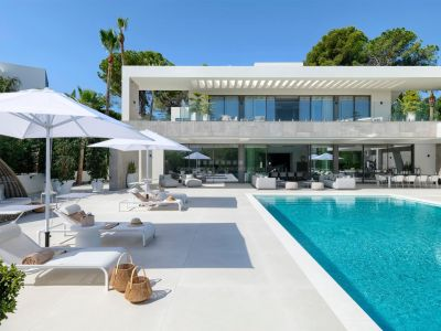 Impresionante villa de lujo a estrenar y completamente amueblada en Nueva Andalucía.