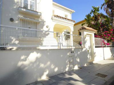 Gran oportunidad! Estupendo chalet independiente en venta en La Hacienda San Manuel, Marbella Este