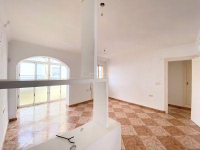 Apartamento en venta en Barrio de Ciudad Jardín, Malaga