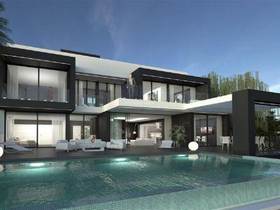 Preciosa villa en construcción en Valle Romano Golf (Estepona) con vistas panorámicas al mar.