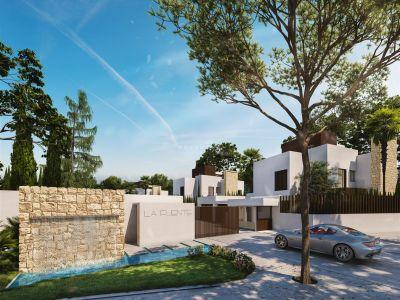 Espectacular villa de estilo moderno nueva a estrenar a unos pasos de playa, en el centro de Marbella