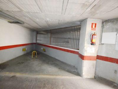 Se Vende plaza de garaje en zona muy centrica a muy buen precio.