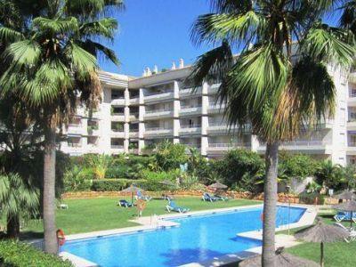 Fantástico apartamento situado en planta baja en Urb. Costa Nagueles 2, La Milla de Oro