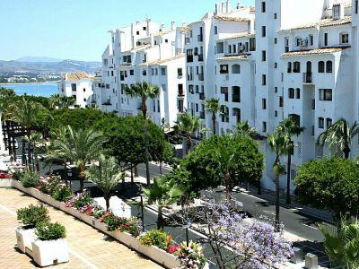 Apartamento en Marina Banus, Marbella