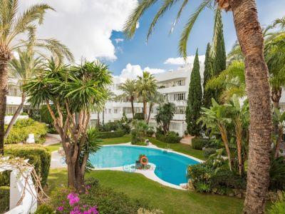 Appartamento piano terra  in Marbella Real, Marbella