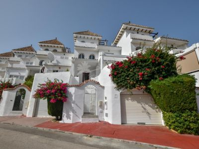 Town House in La Duquesa Golf, Manilva