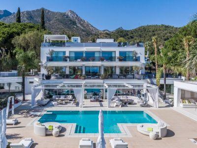 Villa en Cascada de Camojan, Marbella