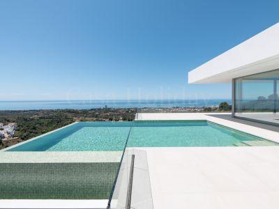 Villa en Los Altos de los Monteros, Marbella