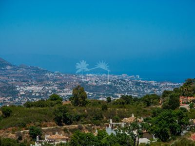 Plot in La Mairena, Marbella