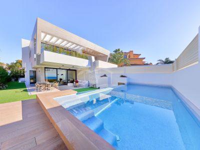 Semi Detached Villa in Bahia de Banus, Marbella