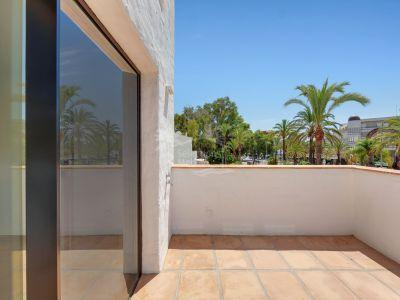Apartamento en Jardines del Puerto, Marbella