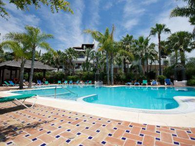 Apartamento en Jardines de la Aldaba, Marbella