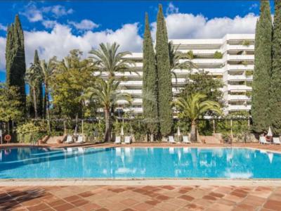 Apartment in Don Gonzalo, Marbella