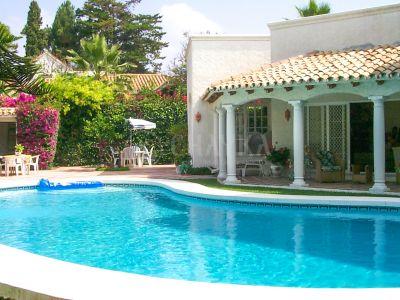 House in El Paraiso Playa, Estepona
