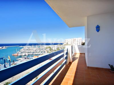 Apartment in Estepona Puerto, Estepona
