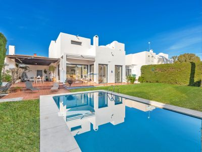 Villa in Altos del Rodeo, Marbella