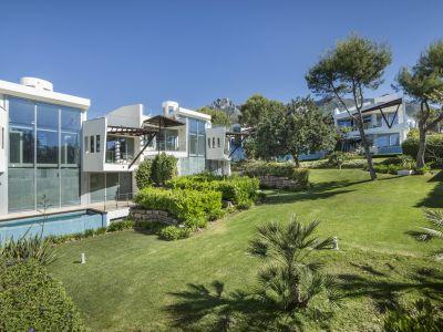 Semi Detached Villa in Sierra Blanca, Marbella