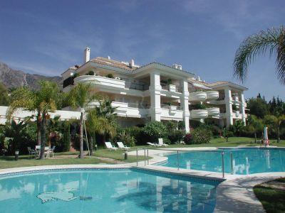 Ground Floor Apartment in Altos Reales, Marbella