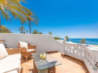 Semi Detached Villa in El Oasis Club, Marbella