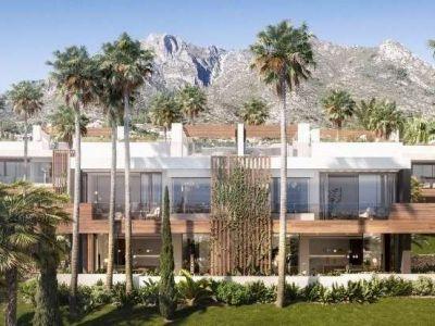 Semi Detached Villa in Balcones de Sierra Blanca, Marbella