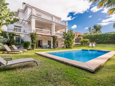 Villa in Parcelas del Golf, Marbella