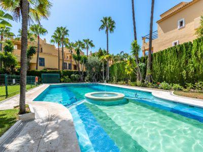 Apartment in Rocamar, Marbella
