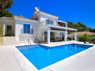 Villa in Cascada de Camojan, Marbella