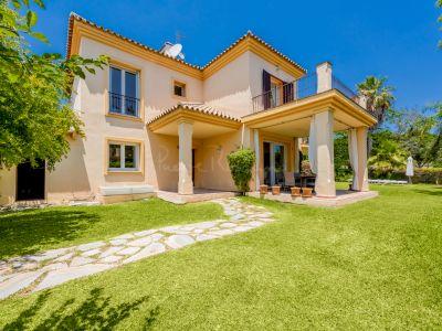 Semi Detached Villa in Los Naranjos Golf, Marbella