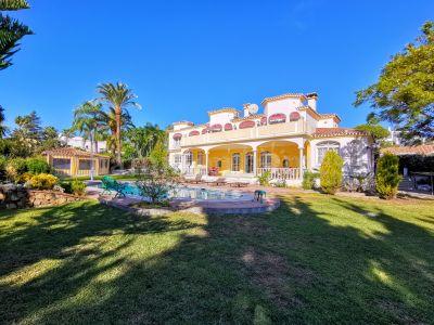 Villa in Paraiso Barronal, Estepona