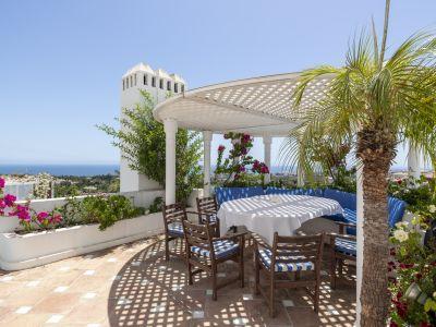 Duplex Penthouse in Marbella Hill Club, Marbella