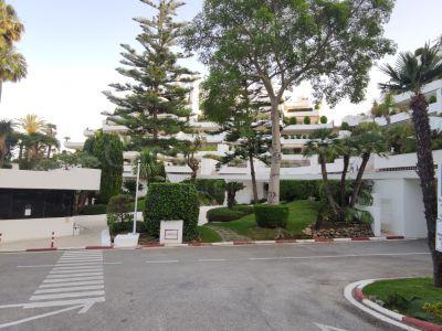 Apartamento en Terrazas de Las Lomas, Marbella