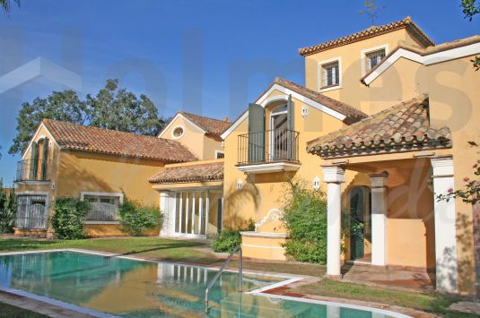 Fabulous villa in Sotogrande Costa, built to a very high standard and with a Southwest facing aspect