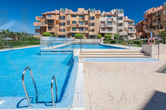 Fabulous 3 bedroom apartment in a corner position in Ribera del Marlin.