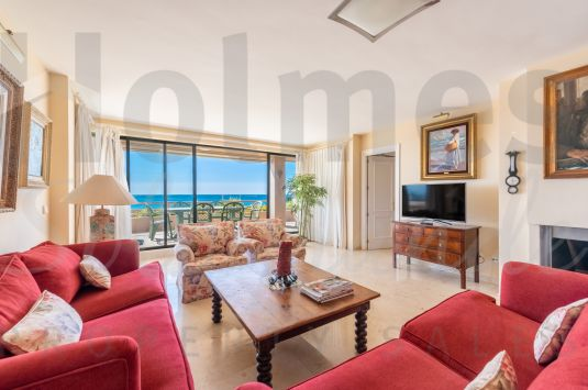 Fabulous front line beach southeast facing 1st floor apartment very close to the Octogono Beach and Tennis Club.