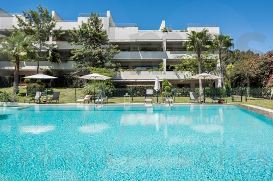 Ground floor apartment in the prestigious complex Polo Gardens in Sotogrande Costa.