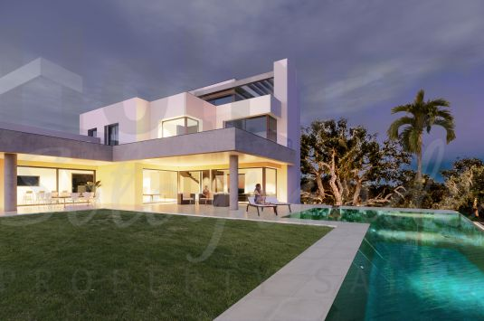 Villa for Sale in Almenara, Sotogrande