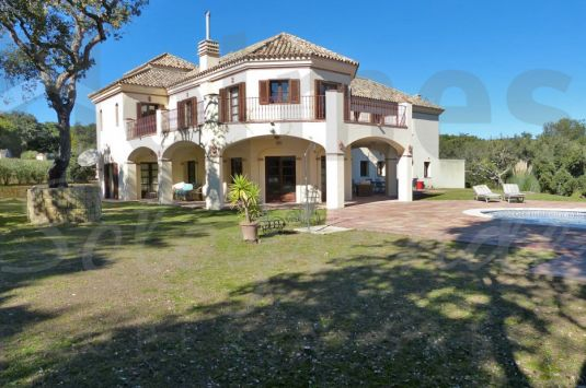 Traditional style family home in a quiet area of Sotogrande Alto.