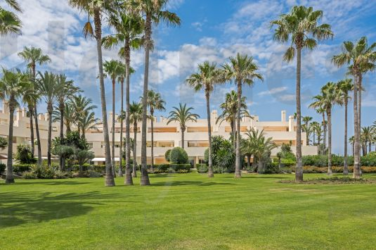 Exceptional Beachfront Penthouse in the exclusive Block 10 in Paseo del Mar, Sotogrande