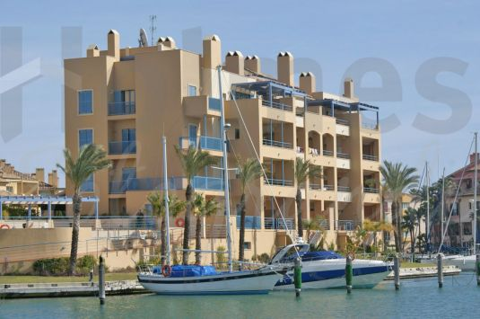 Sunny 3rd floor apartment in Isla de la Vela.
