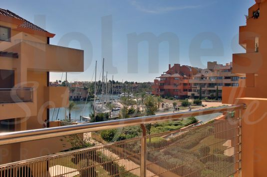 Fantastic 3 bedroom apartment in Ribera del Marlín with an excellent location and built to the highest of quality standards.