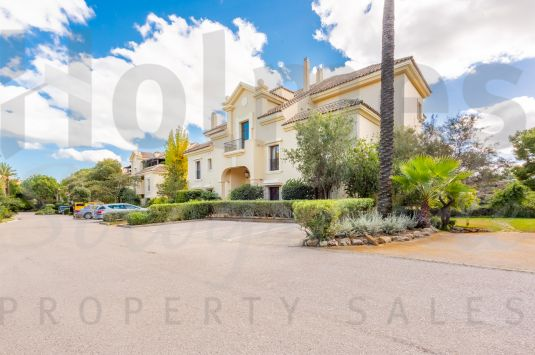 A lovely ground floor apartment situated in Valgrande, the most luxurious residential development of Sotogrande.