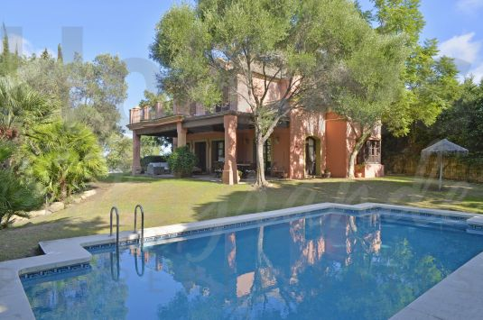Traditional style family villa in a quiet area of Sotogrande Alto with a double plot.