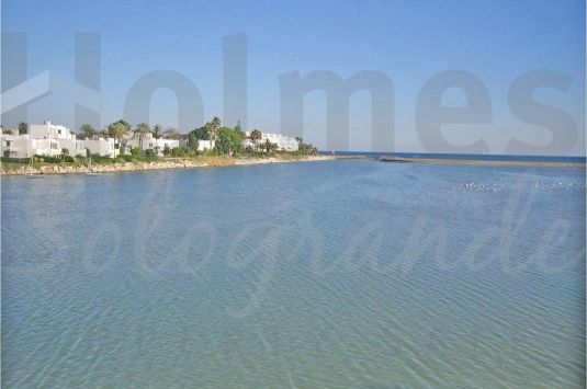 Fantastic 2-bedroom apartment with amazing views in Paseo del Río, Sotogrande Costa.