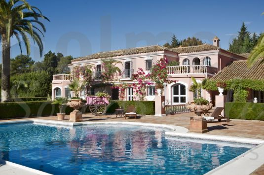 This 9 bedroom beautifully furnished property offers 1500 m2, yet surrounded with intimate warmth and tranquility.