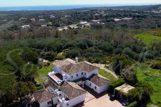 This completely renovated Villa is located in a very desirable part of Sotogrande Alto, backing onto a green zone, providing privacy and a feeling of country living.