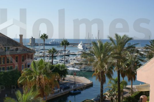 Fabulous luxury duplex penthouse with marvellous southeasterly views to the Marina and the sea.