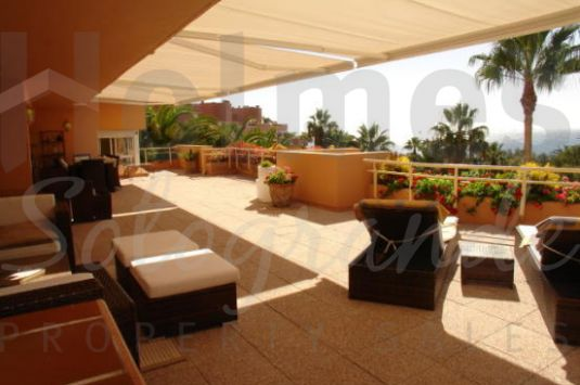 Fantastic 4 bedroom penthouse with sea views and private pool in Sotogrande Beach