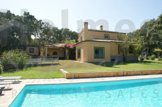 A charming 2 storey villa in the popular C zone in lower Sotogrande Alto.