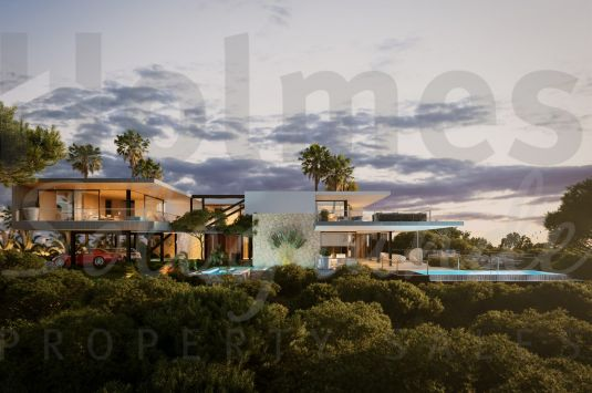 Stunning modern villa under construction with panoramic views to the sea and golf in Sotogrande Alto.
